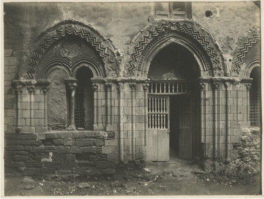 Agrigento Monastero di Santo Spirito in una foto d'epoca con gli evidenti danni subiti a seguito del bombardamento del luglio del 1943