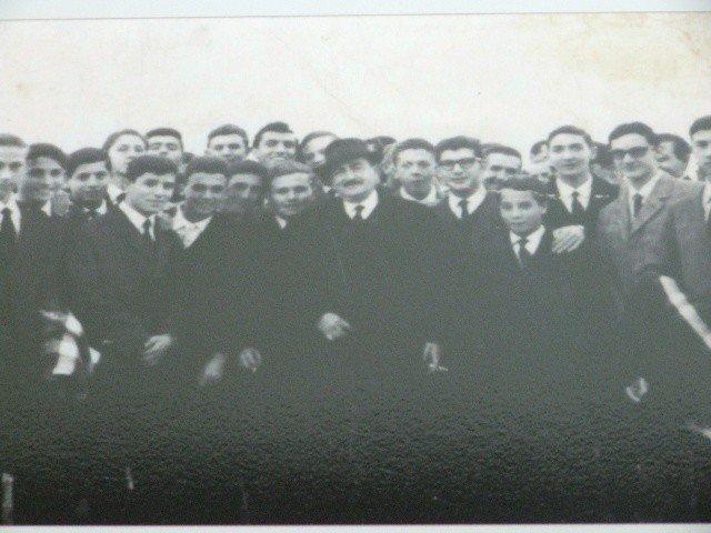 Studenti del liceo classico di agrigento con quasimodo