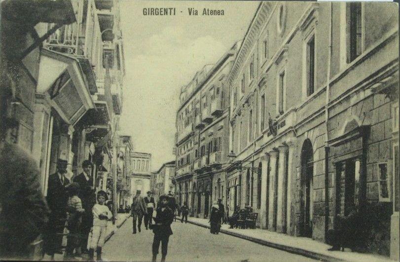 Agrigento, la Via Atenea, quel salotto buono della città.Video – Agrigento Ieri e Oggi