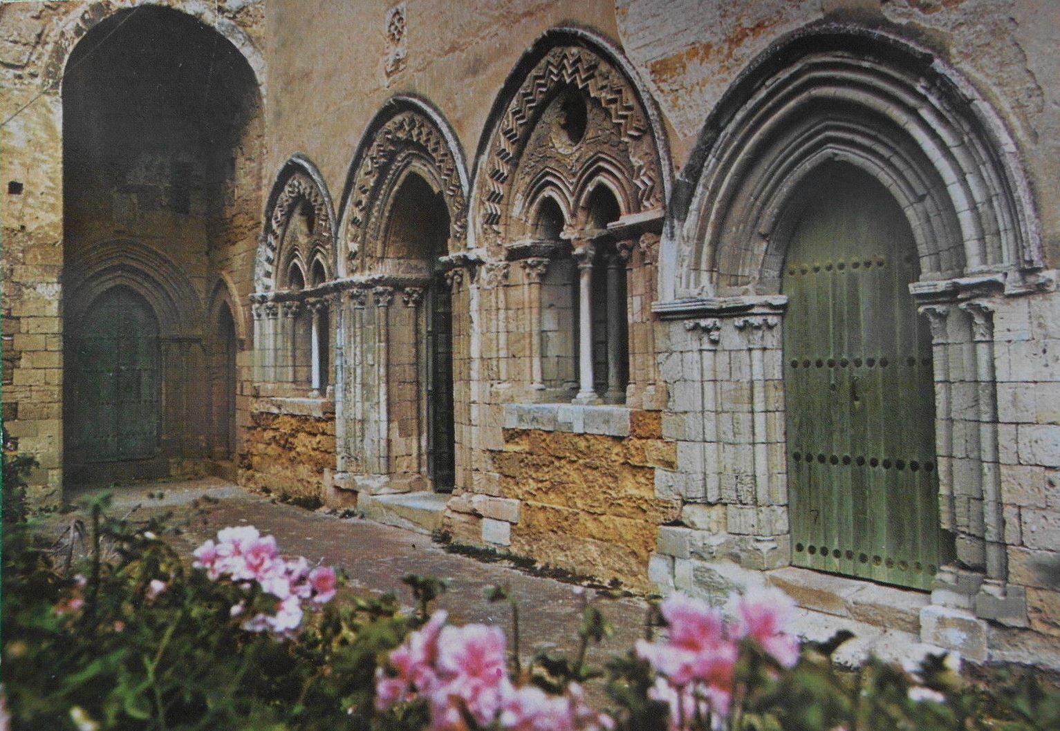 Agrigento, antichi quartieri nella via Atenea: San Pietro, San Francesco, Spirito Santo. Diapositive