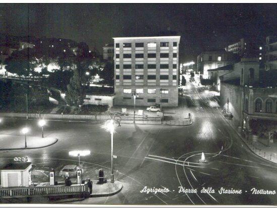 agrigento piazza stazione notturno 1966