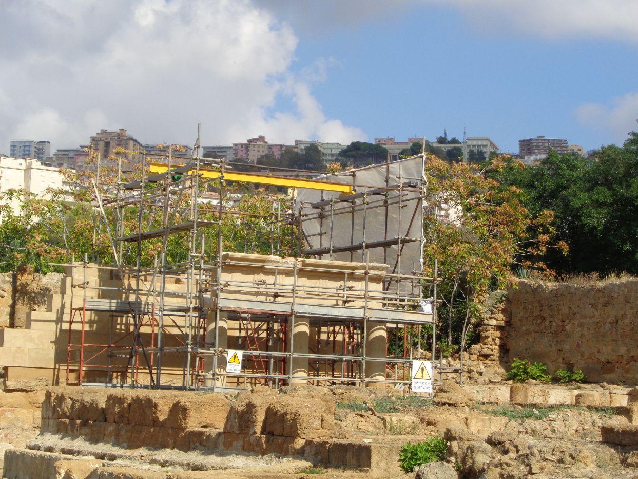 portico del tempio di iside ad agrigento