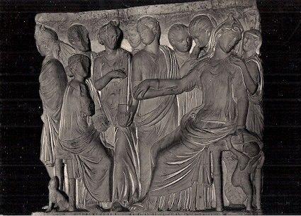 il sarcofago di fedra conservato ad Agrigento