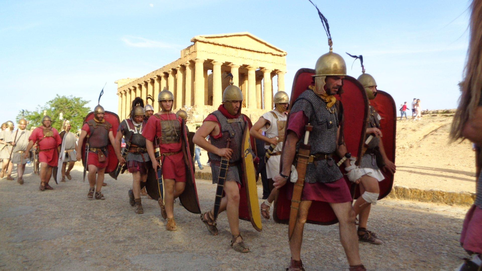 best sneakers 467c2 9eeb9 Agrigento Romana: a ciascuno le sue scarpe. I calzari degli ...