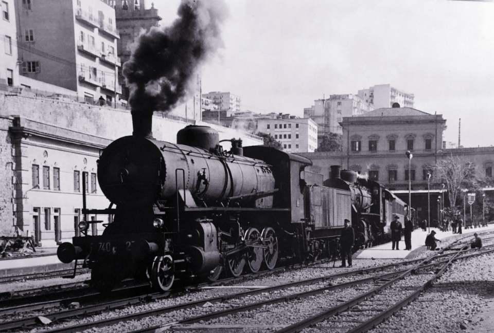 Agrigento Stazione Centrale: sbuffo di un treno